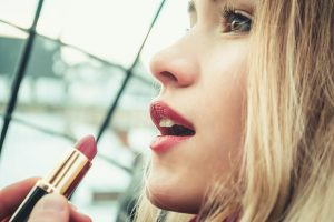 Top 5 Popular Lipstick Shades for Ladies with Fair & Bright Skin