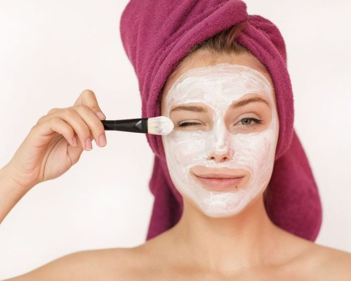 Greek Yogurt on Face | Nutrients & Benefits of Yogurt Face Mask